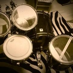 Sonor Designer with Remo Pinstripe drum heads